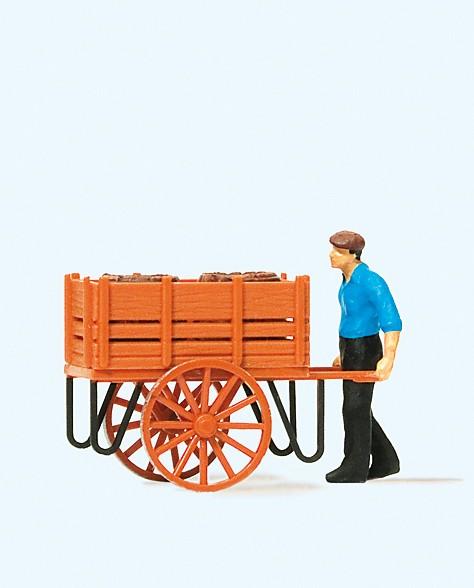 Preiser 28131 - H0 - Arbeiter mit Handwagen & Fässerladung