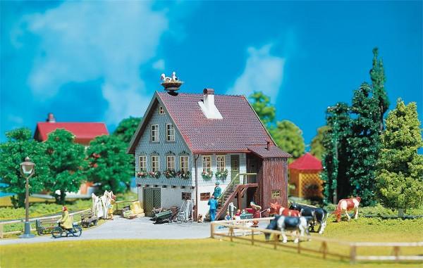 Faller 130280 - H0 - Haus mit Storchennest