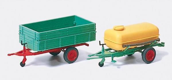 Preiser 17917 - H0 - 2 Einachanhänger mit Kipper und Fass