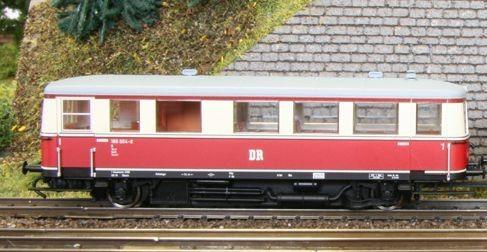 Kres N1355 - N - Einheits-Nahverkehrstriebwagen BR 186 004-8 der DR