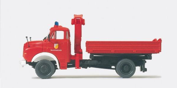 Preiser 31201 - H0 - Dreiseitenkipper mit Ladekran MAN 11.136