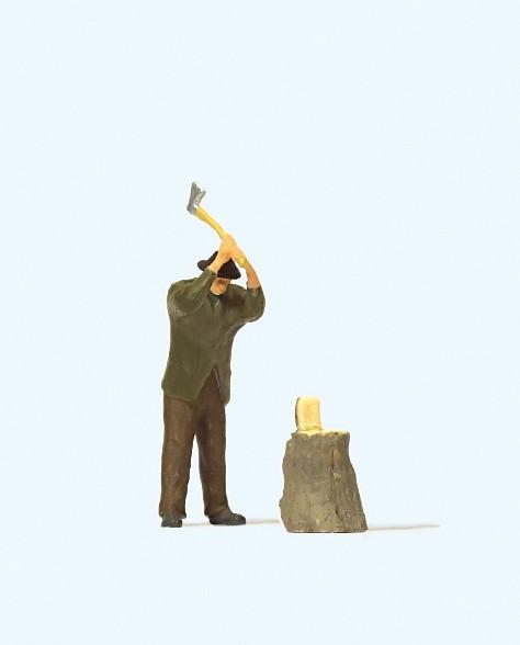 Preiser 28113 - H0 - Beim Holzhacken
