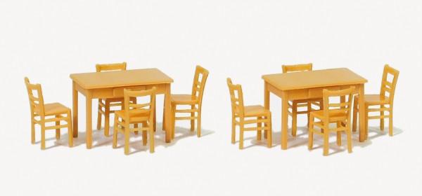 Preiser 17218 - H0 - 2 Tische, 8 Stühle, Materialfarbe holzfarben