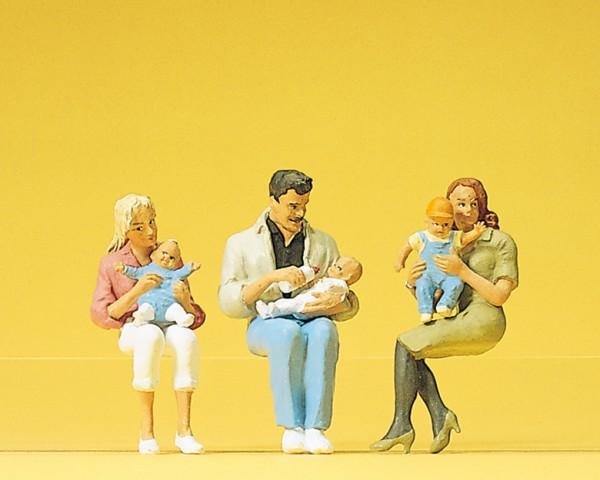 Preiser 45024 - G - Sitzende Eltern mit Kindern