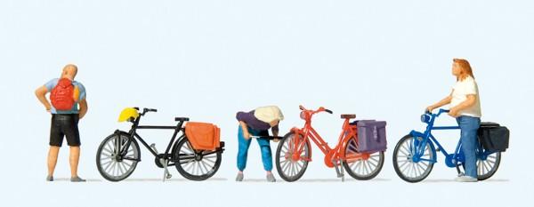 Preiser 10659 - H0 - Radfahrer stehend, Reifen aufpumpend