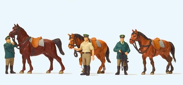 Preiser 10583 - H0 - Stehende Polizisten, Pferde, Deutschland