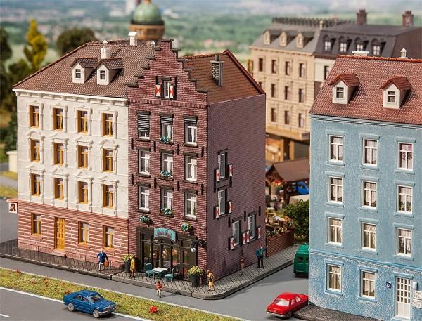 Faller 232334 - N - Altstadthaus mit Bar