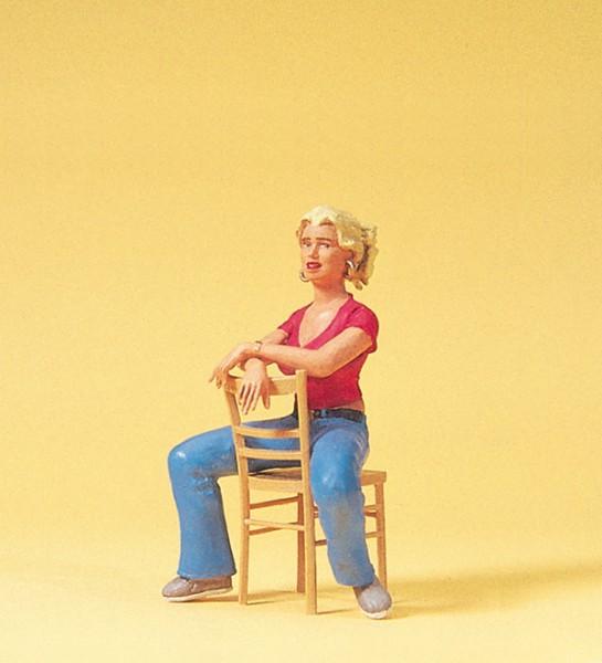 Preiser 45508 - Junge Frau sitzend mit Stuhl