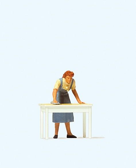 Preiser 28134 - H0 - Hausfrau, Tisch wischend