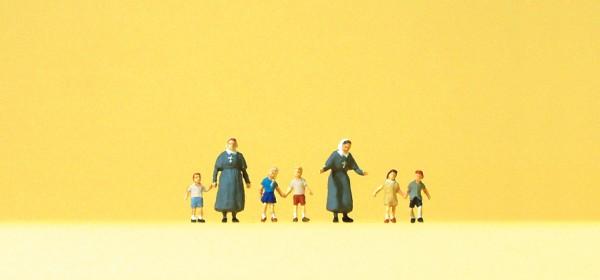 Preiser 79211 - Diakonissen mit Kindern