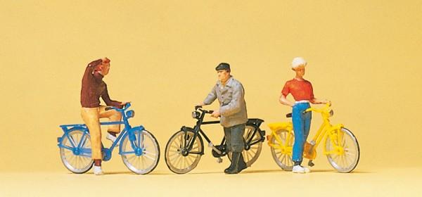 Preiser 10515 - H0 - Stehende Radfahrer am Bahnübergang