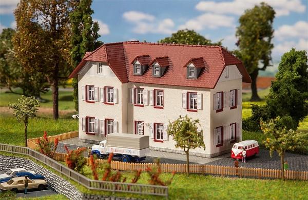 Faller 232216 - N - Zweistöckiges Winkelhaus