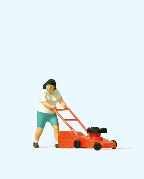Preiser 28085 - H0 - Beim Rasenmähen