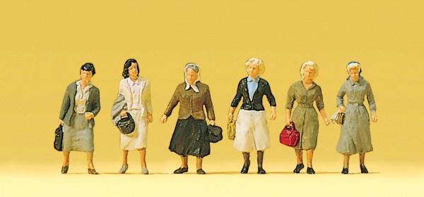 Preiser 10365 - H0 - Pendlerinnen auf dem Weg zur Bahn