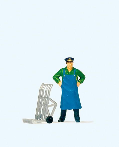 Preiser 28125 - H0 - Dienstmann stehend mit Gepäckkarre